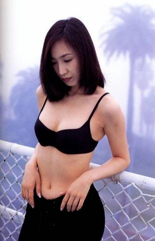 Moriguchi Hiroko swimsuit bikini gravure 1985 debut046