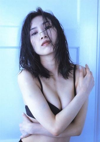Moriguchi Hiroko swimsuit bikini gravure 1985 debut050