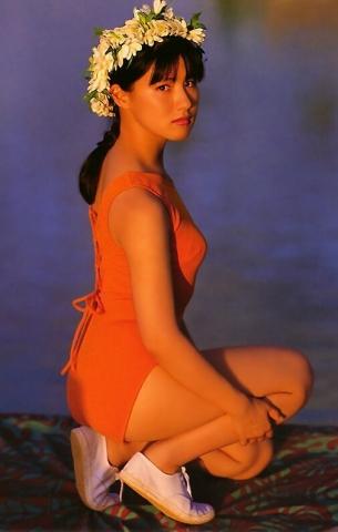 Yuri Nakae swimsuit gravure 1989 debut002