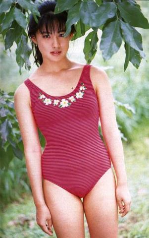 Yuri Nakae swimsuit gravure 1989 debut004