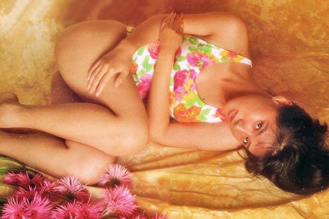 Yuri Nakae swimsuit gravure 1989 debut018