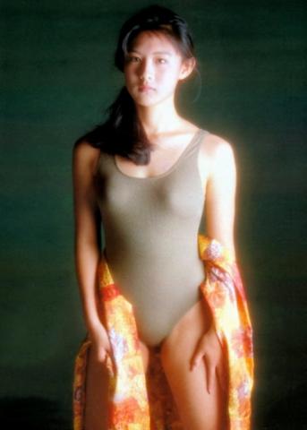 Yuri Nakae swimsuit gravure 1989 debut024