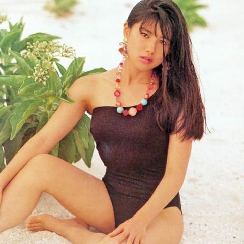 Yuri Nakae swimsuit gravure 1989 debut028
