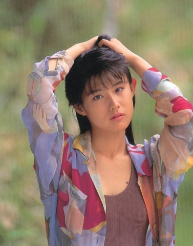 Yuri Nakae swimsuit gravure 1989 debut037