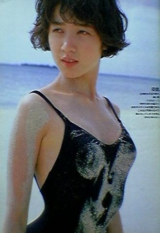 Yoko Ishino swimsuit bikini gravure 1985 debut009