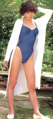 Yoko Ishino swimsuit bikini gravure 1985 debut013