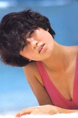 Yoko Ishino swimsuit bikini gravure 1985 debut026