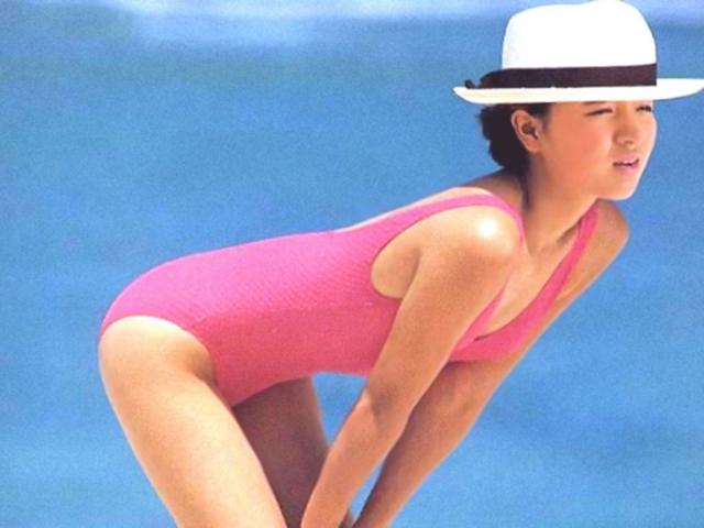 Yoko Ishino swimsuit bikini gravure 1985 debut030