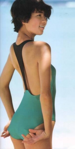 Yoko Ishino swimsuit bikini gravure 1985 debut048