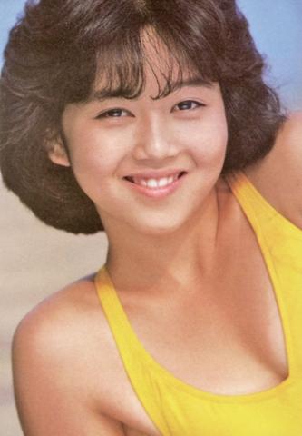 Yui Asaka swimsuit bikini gravure 1985 debut003