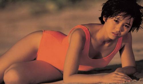 Yui Asaka swimsuit bikini gravure 1985 debut007