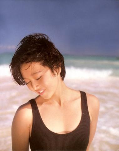 Yui Asaka swimsuit bikini gravure 1985 debut010