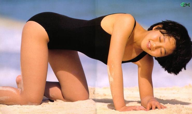 Yui Asaka swimsuit bikini gravure 1985 debut016