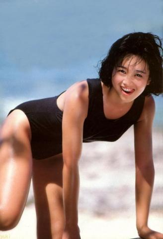 Yui Asaka swimsuit bikini gravure 1985 debut019