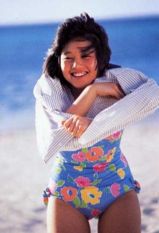 Yui Asaka swimsuit bikini gravure 1985 debut020