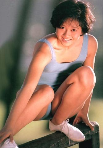 Yui Asaka swimsuit bikini gravure 1985 debut021