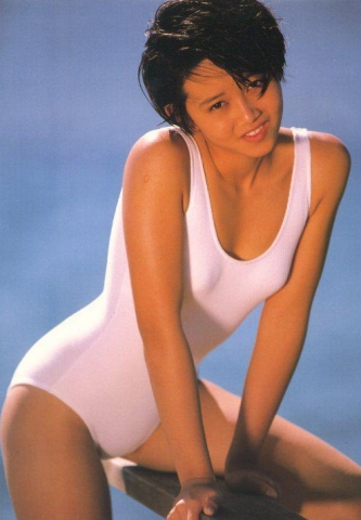 Yui Asaka swimsuit bikini gravure 1985 debut024
