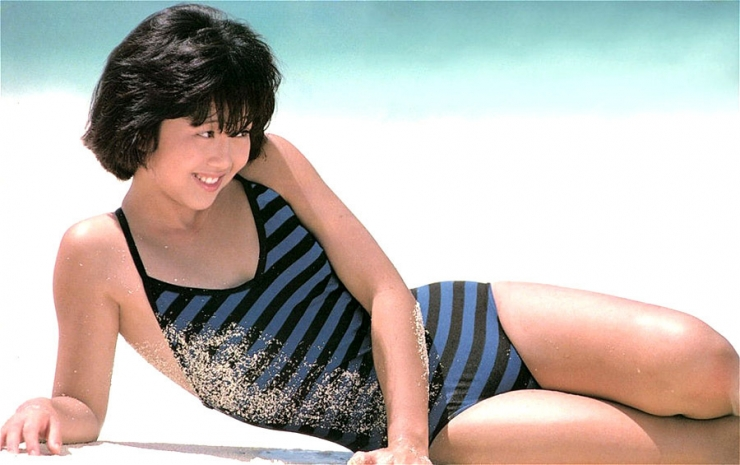 Yui Asaka swimsuit bikini gravure 1985 debut026