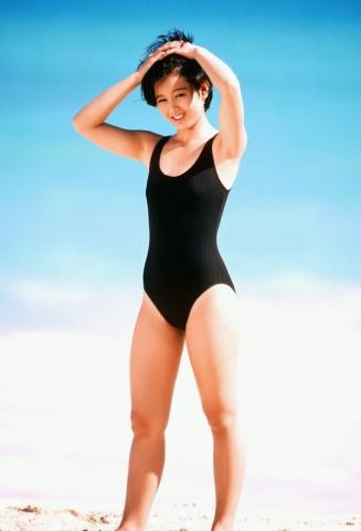 Yui Asaka swimsuit bikini gravure 1985 debut035