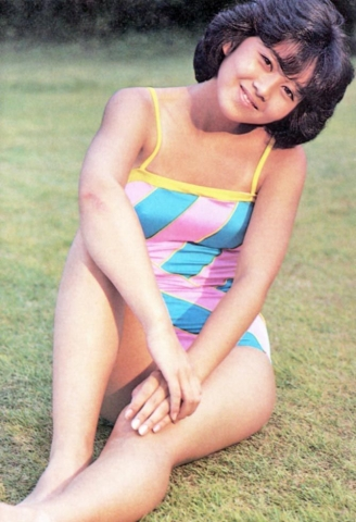 Yui Asaka swimsuit bikini gravure 1985 debut047