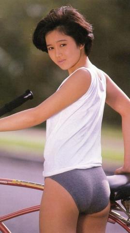 Yui Asaka swimsuit bikini gravure 1985 debut048
