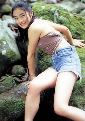 Satomi Ishihara swimsuit bikini gravure008