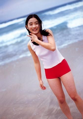 Satomi Ishihara swimsuit bikini gravure017