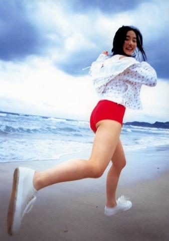 Satomi Ishihara swimsuit bikini gravure018