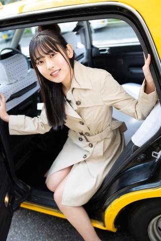 Momoka Hayashidas cab in a swimsuit002