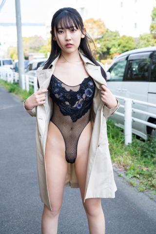 Momoka Hayashidas cab in a swimsuit005