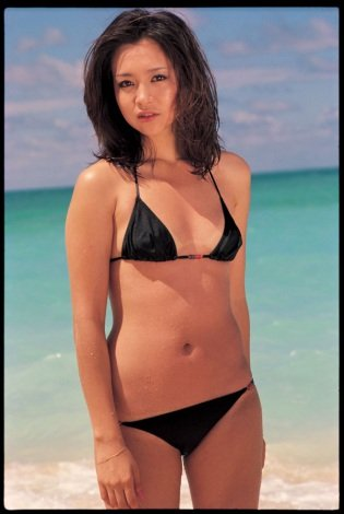 Aya Sugimotos swimsuit gravure Overflowing with youth and wildness that Ive lost now008