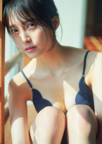 Rina Koyama swimsuit gravure 18 years old with an overwhelming sense of transparency007