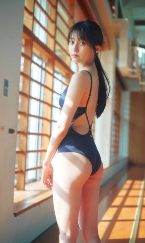 Rina Koyama swimsuit gravure 18 years old with an overwhelming sense of transparency023