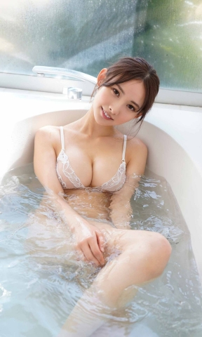 Anon swimsuit gravureThe body with a lot of presence018