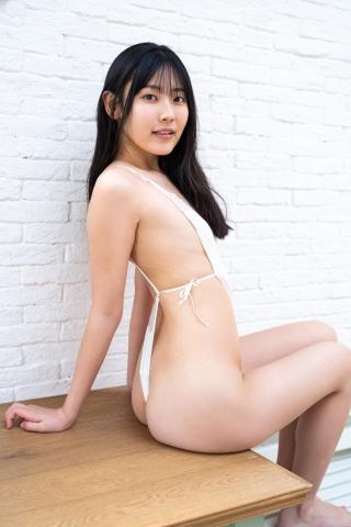 Balance Ball in Momoka Hayashida Swimsuit008