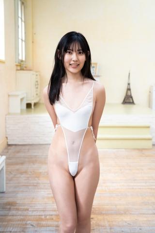 Balance Ball in Momoka Hayashida Swimsuit009