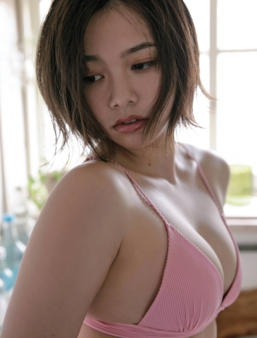 Ayuna Nitta A super close smile for both mind and body026