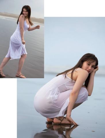 Naomi Trauden underwear gravure  Fascinating unguarded shots004