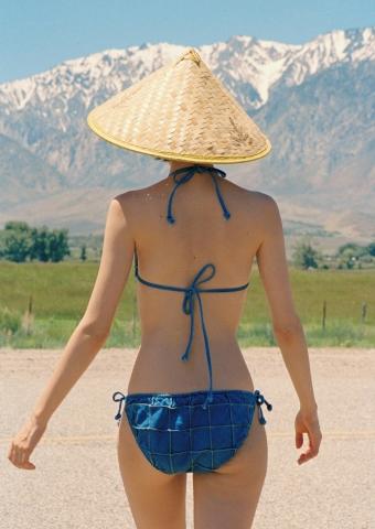 Kiko Mizuhara Swimsuit Gravure in the California wilderness,looking just as she is003