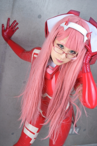 Pilot Suit Undressing Zero Two Darling in the Frankis Cosplay006