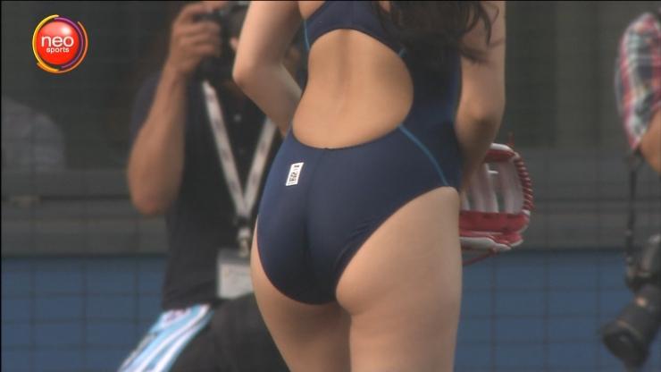 Dann Mitsu bold! First pitch in a school swimsuit006