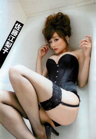 Eriko Sato releases her first fullscale gravure in 16 years006