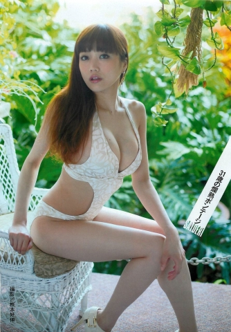 Eriko Sato releases her first fullscale gravure in 16 years007