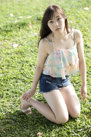 In a tropical country Morning Musumes swimsuit gravure017