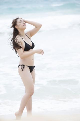 Sei Fukumura Black Swimsuit Bikini Sexy on the Beach001