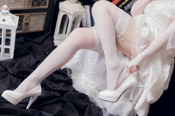 skirt dress breast glimpse Atago Azur Lane010