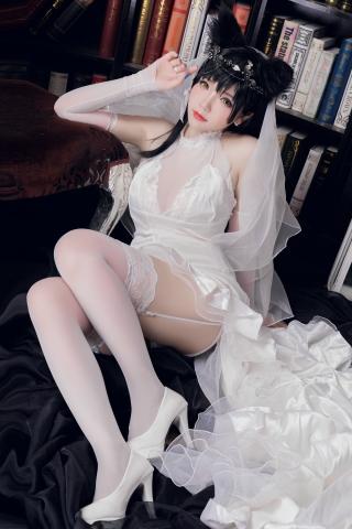 skirt dress breast glimpse Atago Azur Lane015