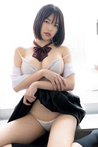 Hotaru Komori swimsuit gravure Healthy bare skin and ample bust010