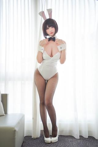 Hawaii and Bunny Girl Megumi Kato Raising a Saekenai Kanojo Cosplay001