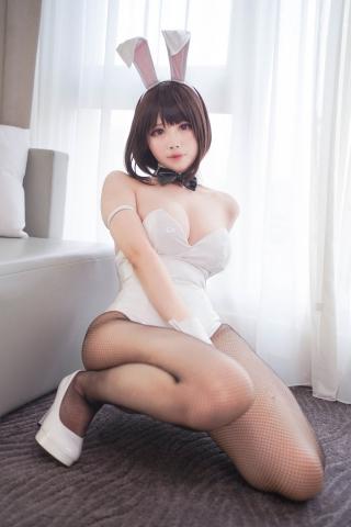 Hawaii and Bunny Girl Megumi Kato Raising a Saekenai Kanojo Cosplay010